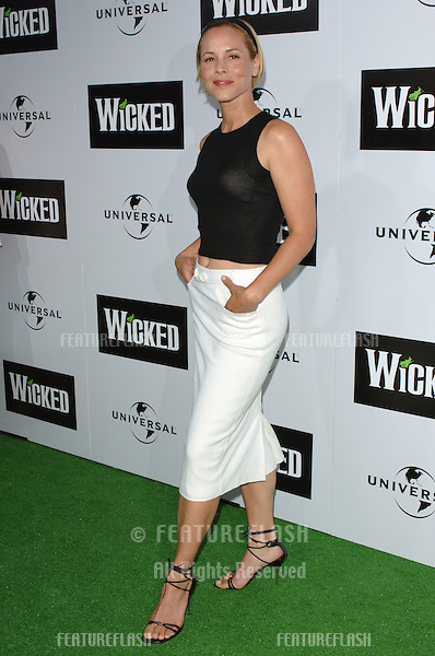 Actress MARIA BELLO at the Los Angeles premiere of the hit Broadway musical Wicked, at the Pantages Theatre, Hollywood..June 22, 2005 Los Angeles, CA.© 2005 Paul Smith / Featureflash