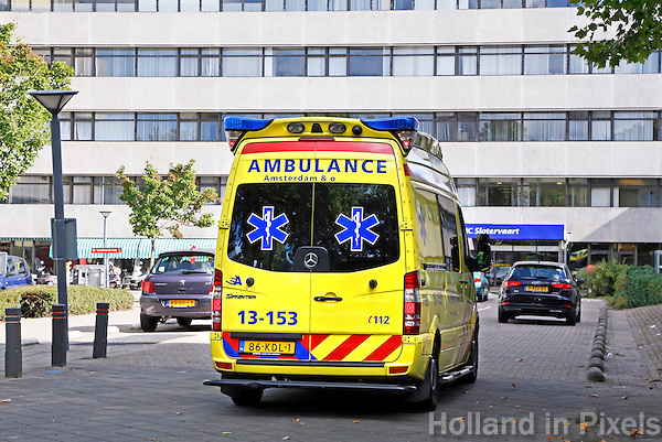 Nederland  Amsterdam  2016. Ambulance bij het Slotervaart Ziekenhuis.   Foto Berlinda van Dam / Hollandse Hoogte