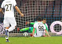 Gol Andrea Bellotti durante l'incontro  di calco d Seriden A  tra SSC Napoli e US Palermo    allo stadio San Paolo di Napoli , 24 Settembre  2014