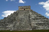 Zona arqueologica de Chichen Itza Zona arqueol&oacute;gica  <br /> Chich&eacute;n Itz&aacute;Chich&eacute;n Itz&aacute; maya: (Chich&eacute;n) Boca del pozo; <br /> de los (Itz&aacute;) brujos de agua. <br /> Es uno de los principales sitios arqueol&oacute;gicos de la <br /> pen&iacute;nsula de Yucat&aacute;n, en M&eacute;xico, ubicado en el municipio de Tinum.<br /> *Photo:&copy;Francisco* Morales/DAMMPHOTO.COM/NORTEPHOTO<br /> <br /> <br /> <br /> * No * sale * a * third *