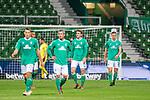 Enttaeuschung nach der Niederlage #<br /> Joshua Sargent (Werder Bremen #19)<br /> Niklas Moisander (Werder Bremen #18 Kapitaen)<br /> Theodor Gebre Selassie (Werder Bremen #23)<br /> <br /> Sport: Fussball: 1. Bundesliga: Saison 19/20: <br /> 26. Spieltag: SV Werder Bremen vs Bayer 04 Leverkusen, 18.05.2020<br /> <br /> Foto ©  gumzmedia / Nordphoto / Andreas Gumz / POOL <br /> <br /> Nur für journalistische Zwecke! Only for editorial use!<br />  DFL regulations prohibit any use of photographs as image sequences and/or quasi-video.