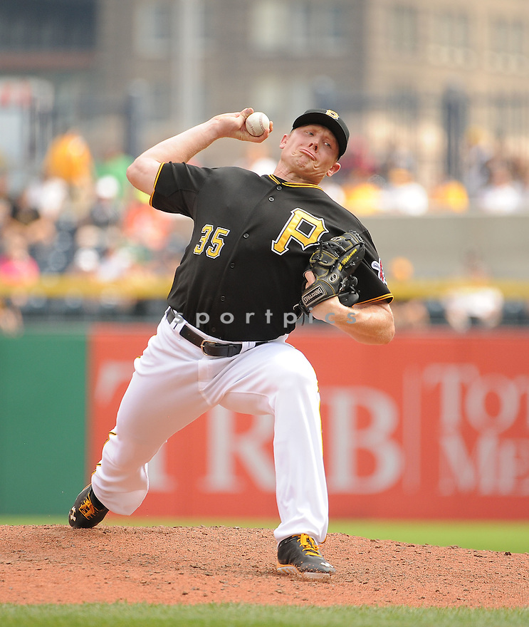 Pittsburgh Pirates Mark Melancon (35) during a game against the St. Louis Cardinals on August 27, 2014 at PNC Park in Pittsburgh PA. The Pirates beat the Cardinals 3-1.
