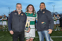 Jordy REID of Ealing Trailfinders receives the man of the match award after the Greene King IPA Championship match between Ealing Trailfinders and Jersey Reds at Castle Bar , West Ealing , England  on 22 December 2018. Photo by David Horn.