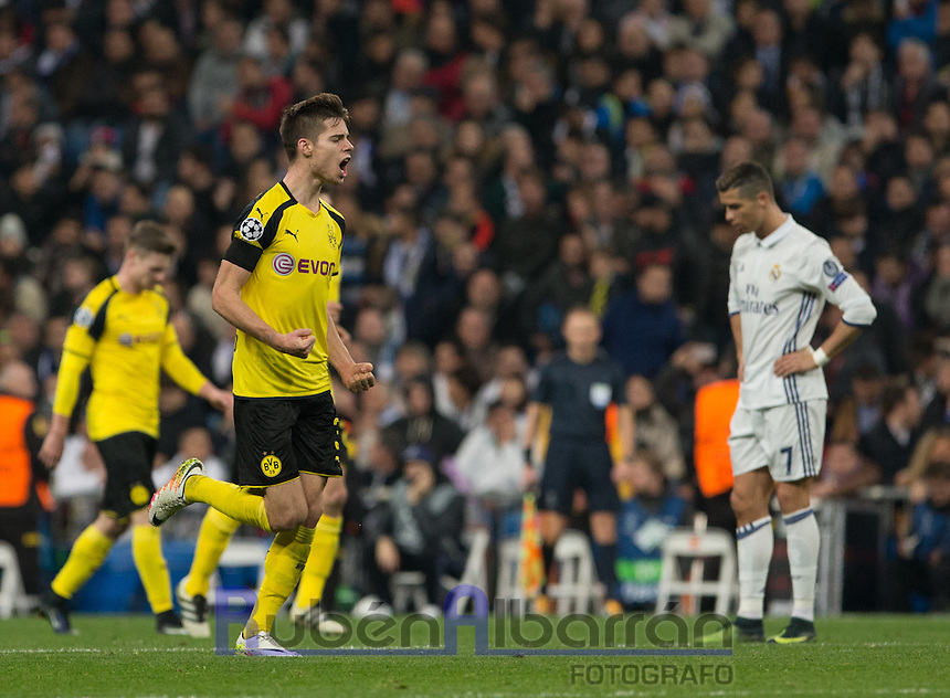 Borussia Dortmund´s Julian Weigl celebrating after scoring during the UEFA Champions League match between Real Madrid and Borussia Dortmund at the Santiago Bernabeu Stadium in Madrid, Tuesday, December 7, 2016.