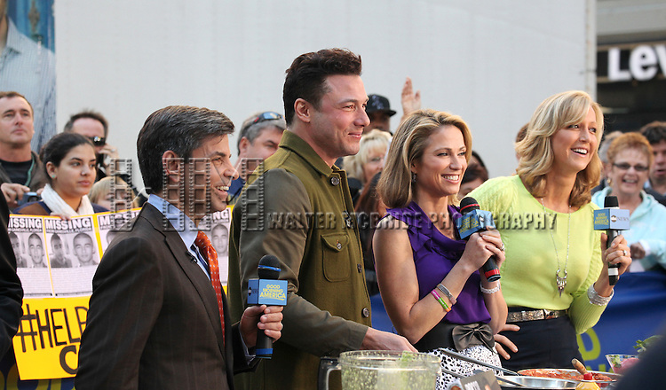 Chef Rocco Dispirito with George Stephanopoulos and Lara Spencer promoting his new book 'Now Eat This! Italian' on Good Morning America in Times Square on Tuesday, Sept. 25, 2012 in New York.