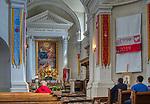 Święty Krzyż, 02-05-2019. Klasztor Misjonarzy Oblatów Maryi Niepokalanej Sanktuarium Relikwii Krzyża Świętego. Klasycystyczne wnętrze kościóła pw. Trójcy Przenajświętszej, zbudowany na miejscu pogańskiej świątyni.