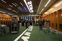 Umkleidekabine der New York Jets im Met Life Stadium - 08.12.2019: New York Jets vs. Miami Dolphins, MetLife Stadium New York