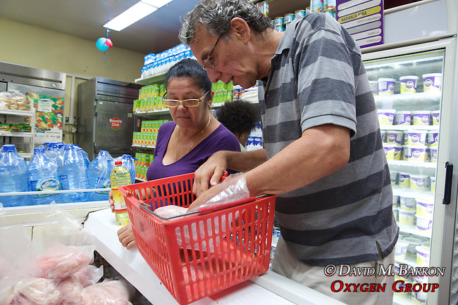 Mimita & Raymond Shopping