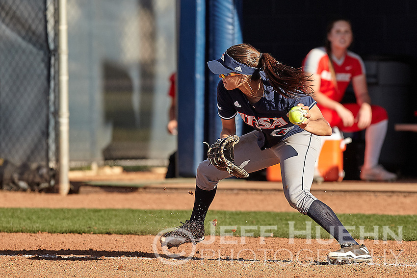 SAN ANTONIO, TX - FEBRUARY 25, 2017: The University of Texas at San Antonio Roadrunners fall to the University of New Mexico Lobos 5-4 at UTSA Roadrunner Field. (Photo by Jeff Huehn)
