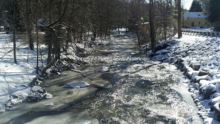 New Milford - January 24, 2014 - 25_NEW_012414JC02 - A view of the East Aspetuck River from the Van Car Rd bridge.  Jack Coraggio