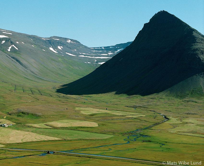 Kroppsstaðir, Efstaból í Korpudal, Önundarfjörður, Mlosvallahreppur..Kroppsstadir and Efstabol in Korpudalur..Onundarfjordur, Mosvallahreppur.