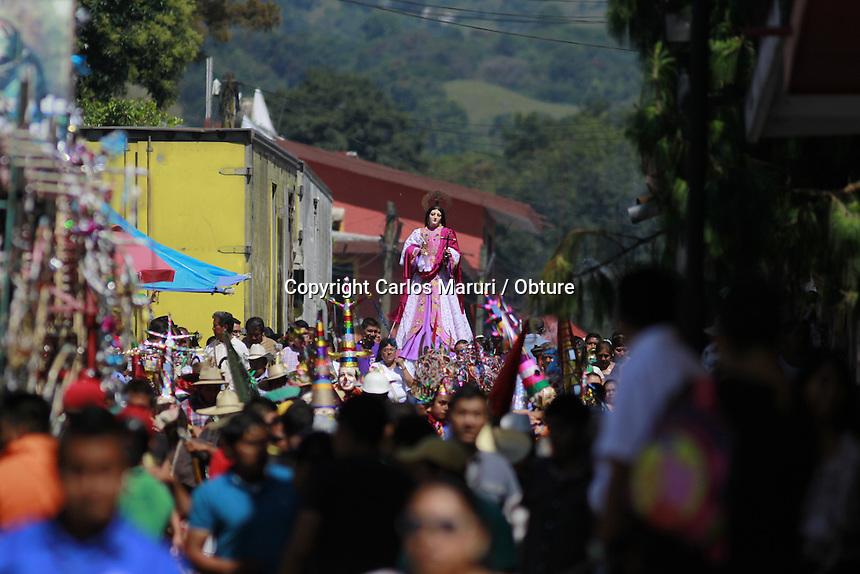 Xico, Veracruz 21/Julio/2015.- Xico, es la cabecera municipal y forma parte de la Sierra Madre Oriental y se ubica en el centro del actual estado de Veracruz a 21 Km. de Xalapa que es la capital del estado. En &eacute;sta comunidad se realiza procesi&oacute;n en honor a Mar&iacute;a Magdalena, la virgen del poblado de Xico, donde los pobladores de dicho lugar recorren las principales calles.<br /> <br /> Cabe destacar que hoy 21 de julio se realizan varias procesiones a lo largo del d&iacute;a y en la noche se realiza la quema de los &ldquo;Toritos&rdquo;, todas estas actividades es previo a la atracci&oacute;n principal que es la Tradicional &ldquo;Xique&ntilde;ada&rdquo;, en donde sueltan toros en la principales calles de Xico.