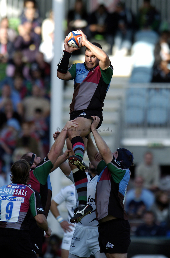 Photo: Olly Greenwood..NEC Harlequins v Sale Sharks. EDF Anglo-Welsh Cup. 07/10/2006. Harlequin's Nick Easter wins a lineout.