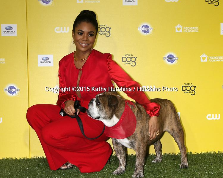 "LOS ANGELES - JAN 10:  Regina Hall, Zeuss at the CW Network presents ""World Dog Awards"" at a Barker Hanger on January 10, 2015 in Santa Monica, CA"