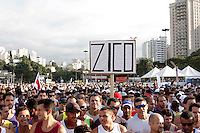 SAO PAULO, SP, 04 DE MARCO DE 2012 - MEIA MARATONA INTERNACIONAL DE SAO PAULO - Atletas durante a largada da Meia Maratona Internacional de Sao Paulo, na Praca Charles Muller, na manha deste domingo, 04. FOTO WARLEY LEITE - BRAZIL PHOTO PRESS.