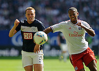 Fussball Bundesliga Saison 2011/2012 2. Spieltag Hamburger SV - Hertha BSC Berlin Christian LELL (Hertha BSC), Dennis AOGO (HSV).