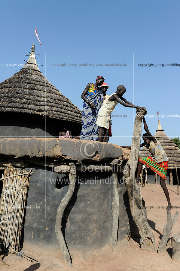 SOUTH SUDAN, village near Rumbek, clay hut of Dinka tribe