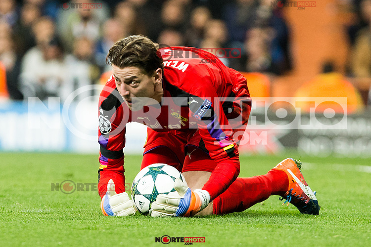 Borussia Dortmund Roman Weidenfeller during Champions League match between Real Madrid and Borussia Dortmund  at Santiago Bernabeu Stadium in Madrid , Spain. December 07, 2016. (ALTERPHOTOS/Rodrigo Jimenez) /NortePhoto.com