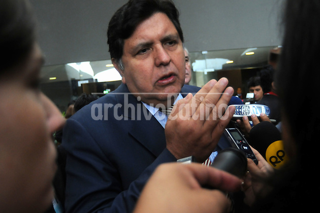 Alan Garcia, Peru's president, speaks during a news conference following the Fifth Summit of Latin America, the Caribbean and the European Union in    Lima