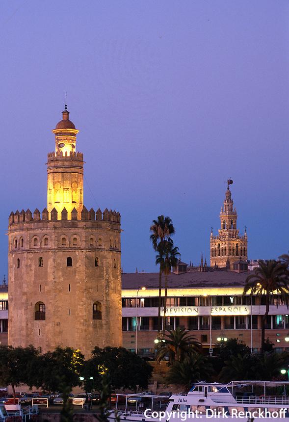 Spanien, Andalusien, Torre del Oro und Giralda in Sevilla