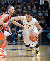 Justin Cobbs of California dribbles the ball during the game against Oregon State Beavers at Haas Pavilion in Berkeley, California on January 31st, 2013.  California defeated Oregon State, 71-68.