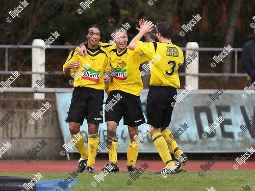 2007-11-25 / Voetbal / FC Duffel - Zwarte Leeuw / Hohammed Bousba (L) scoorde de 0-1 voor Zwarte Leeuw. Hij viert met Kocak en Backx (3)..Foto: Maarten Straetemans