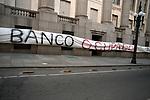 Uruguay / Montevideo / 2017 <br /> Ocupaci&oacute;n del Banco de la Rep&uacute;blica, BROU, por parte del sector banca oficial de AEBU. Montevideo, 30/11//2017.<br /> Foto: Ricardo Ant&uacute;nez / adhocFOTOS
