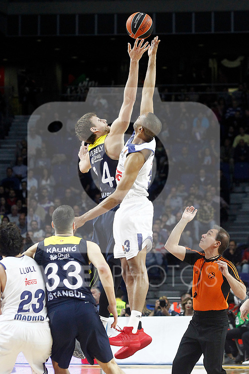 Real Madrid's Anthony Randolph (r) and Fenerbahce Istambul's Jan Vesely during Euroleague, Regular Season, Round 29 match. March 31, 2017. (ALTERPHOTOS/Acero)