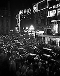 Piccadilly Circus, 1930s
