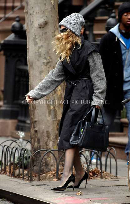 WWW.ACEPIXS.COM . . . . .  ....January 19 2012, New York City....Actress Sarah Jessica Parker leaves her West Village brownstone on January 19 2012 in New York City....Please byline: CURTIS MEANS - ACE PICTURES.... *** ***..Ace Pictures, Inc:  ..Philip Vaughan (212) 243-8787 or (646) 679 0430..e-mail: info@acepixs.com..web: http://www.acepixs.com