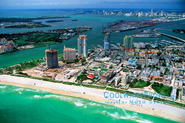 South Point of Miami Beach, Fisher Island, .Virginia Key, Port of Miami, downtown Miami, .and Biscayne Bay, Florida (Atlantic)