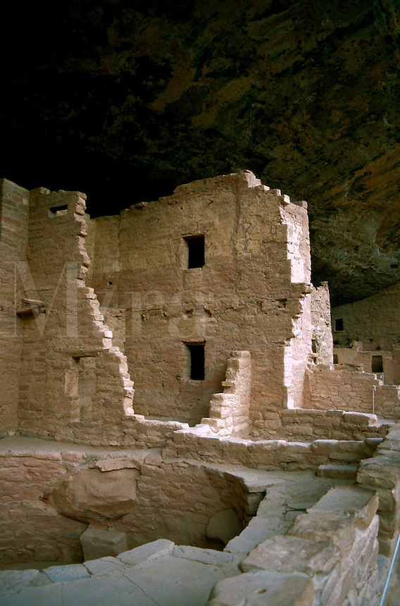 A view of Spruce Tree House - an Anasazi Indian cliff delling. Mesa Verda National Park, Colorado.
