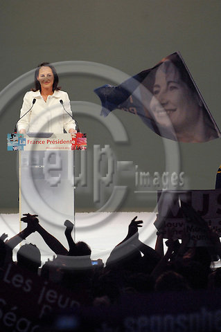 TOULOUSE - FRANCE 19. 04. 2007 -- French socialist party (PS) presidential candidate S?golene ROYAL at a campaign meeting, 19 April 2007 in Toulouse, south western France -- PHOTO: GORM K. GAARE / EUP- IMAGES ...