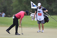 Jordan Smith (ENG) on the 15th green during the 3rd round of the DP World Tour Championship, Jumeirah Golf Estates, Dubai, United Arab Emirates. 17/11/2018<br /> Picture: Golffile | Fran Caffrey<br /> <br /> <br /> All photo usage must carry mandatory copyright credit (&copy; Golffile | Fran Caffrey)