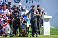 Jason Day (AUS) looks over his tee shot on 1 during round 4 Singles of the 2017 President's Cup, Liberty National Golf Club, Jersey City, New Jersey, USA. 10/1/2017. <br /> Picture: Golffile | Ken Murray<br /> <br /> All photo usage must carry mandatory copyright credit (&copy; Golffile | Ken Murray)
