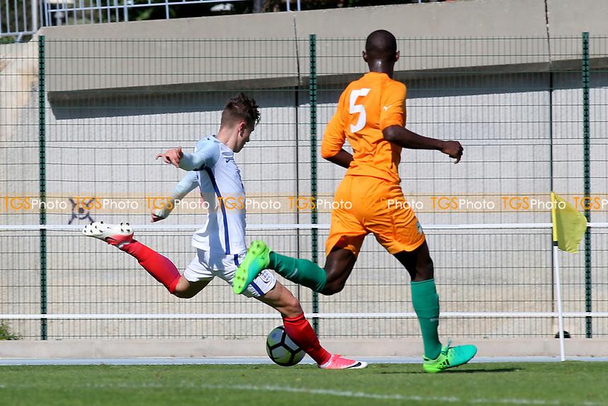 David Brooks scores England's opening goal during England Under-18 vs Ivory Coast Under-20, Toulon Tournament Final Football at Stade de Lattre-de-Tassigny on 10th June 2017