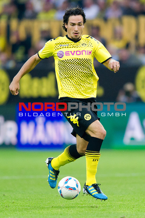 05.08.2011, Signal Iduna Park, Dortmund, GER, 1.FBL, Borussia Dortmund vs Hamburger SV, im Bild Mats Hummels (#15 Dortmund) // during the 1.FBL, Borussia Dortmund vs Hamburger SV on 2011/08/05, Signal Iduna Park, Dortmund, Germany. Foto © nph / Kurth *** Local Caption ***