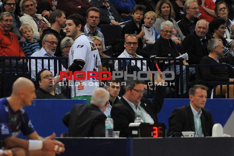 05.10.13, O2 World, Hamburg, GER, HBL, HSV Hamburg (GER) vs Frisch Auf Goeppingen (GER),  im Bild  Evgeni Pevnov (Goeppingen #14) bekommt die rote Karte und muss die Halle verlassen // during match at O2 World 2013/10/05,Hamburg<br /> Foto &not;&copy; nph/ Witke *** Local Caption ***