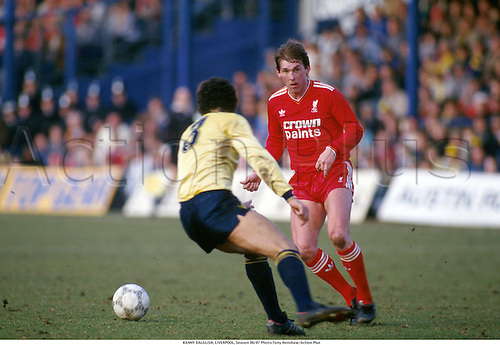 KENNY DALGLISH, LIVERPOOL, 870. Photo:Tony Henshaw/Action Plus...1987.Soccer.football.associaton.english club clubs