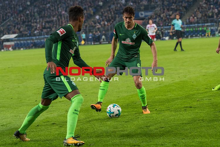 30.09.2017, Volksparkstadion, Hamburg, GER, 1.FBL Hamburger SV vs Werder Bremen , im Bild<br /> <br /> Thomas Delaney (Werder Bremen #6)<br /> Theodor Gebre Selassie (Werder Bremen #23)<br /> <br /> Foto &copy; nordphoto / Kokenge