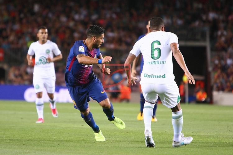 52e Trofeu Joan Gamper.<br /> FC Barcelona vs Chapecoense: 5-0.<br /> Luis Suarez vs Reinaldo.