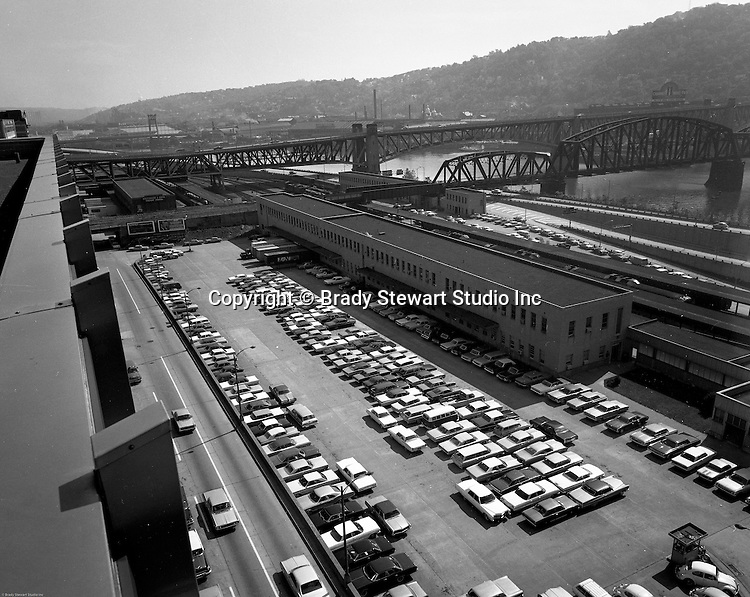 Pittsburgh PA:  View of the Grant Street station of the Baltimore and Ohio Railroad company.  The building was torn down and replaced with the Pittsburgh National Bank's (PNC) operations center in 1969.
