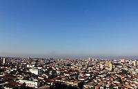 SAO PAULO, SP. CLIMA TEMPO CAPITAL PAULISTA. Ceu azul, visto do bairro do Jabaquara, regiao sul de SP, na manha deste sabado, 18. (FOTO: MILENE CARDOSO - BRAZIL PHOTO PRESS)