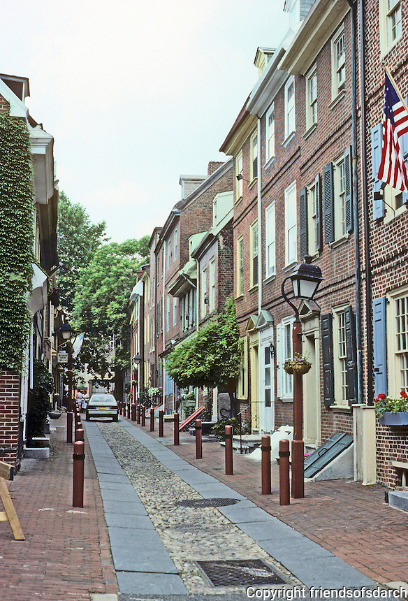 Philadelphia: Elfreth's Alley. Houses from 1720. The 3 1/2 story houses built after Am. Revolution. Photo '88.