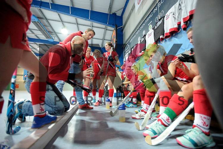 GER - Mannheim, Germany, December 05: During the 1. Bundesliga Sued Damen indoor hockey match between Mannheimer HC (white) and TSV Mannheim (red) on December 5, 2015 at Irma-Roechling-Halle in Mannheim, Germany. Final score 7-1 (HT 5-0).  head coach Uli Weise of TSV Mannheim<br /> <br /> Foto &copy; PIX-Sportfotos *** Foto ist honorarpflichtig! *** Auf Anfrage in hoeherer Qualitaet/Aufloesung. Belegexemplar erbeten. Veroeffentlichung ausschliesslich fuer journalistisch-publizistische Zwecke. For editorial use only.