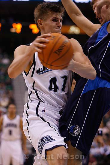Andrei Kirilenko. Utah Jazz vs. Dallas Mavericks, NBA basketball. 11/02/2005<br />