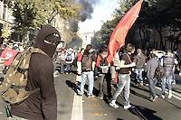 Roma,15 Ottobre 2011.Manifestazione contro la crisi e l'austerità..Corteo e scontri con le forze dell'ordine