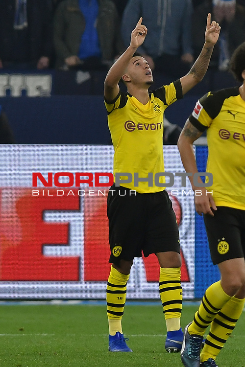 08.12.2018, Veltins-Arena, Gelsenkirchen, GER, 1. FBL, FC Schalke 04 vs. Borussia Dortmund, DFL regulations prohibit any use of photographs as image sequences and/or quasi-video<br /> <br /> im Bild Jadon Sancho (#7, Borussia Dortmund) jubelt nach seinem Tor zum 1:2<br /> <br /> Foto &copy; nordphoto/Mauelshagen