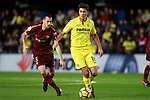 Villarreal CF's Rodrigo Hernandez (r) and FC Barcelona's Sergio Busquets during La Liga match. December 10,2017. (ALTERPHOTOS/Acero)