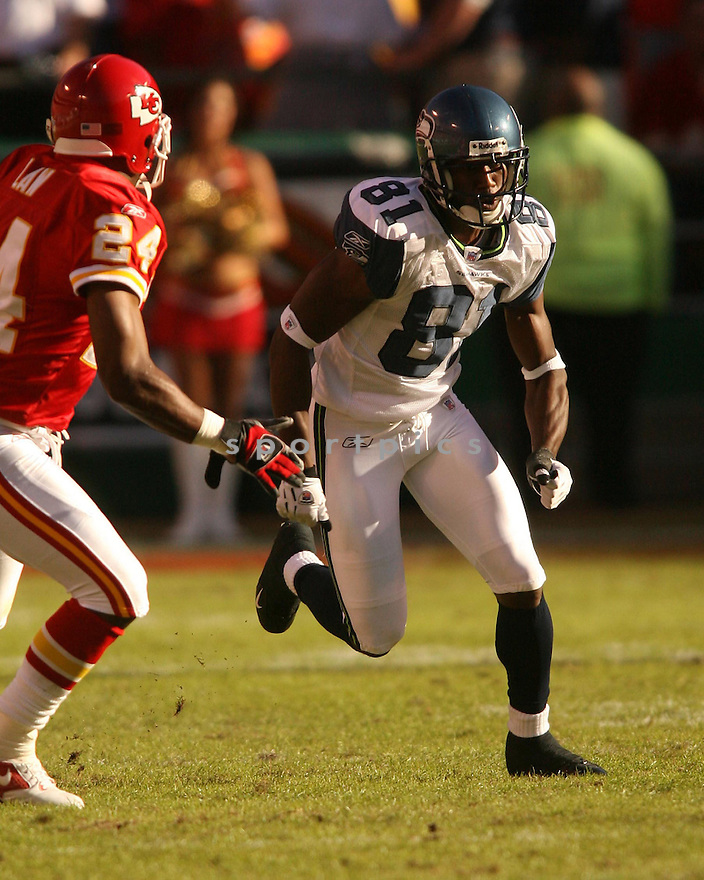 NATE BURLESON, of the Seattle Seahawks in action against the Kansas City Chiefs on October 29, 2006 in Kansas City, MO...Chiefs win 35-28..Kevin Tanaka/ SportPics